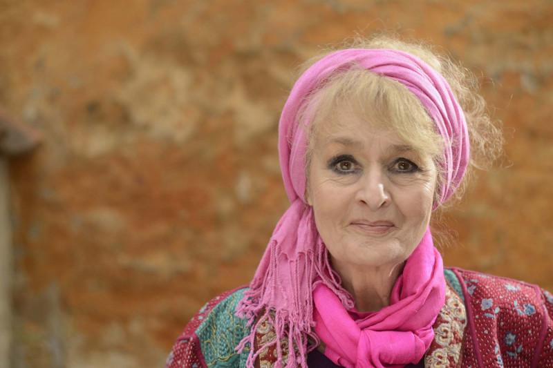 Maria Stenx, sanger, skuespiller, instruktør.